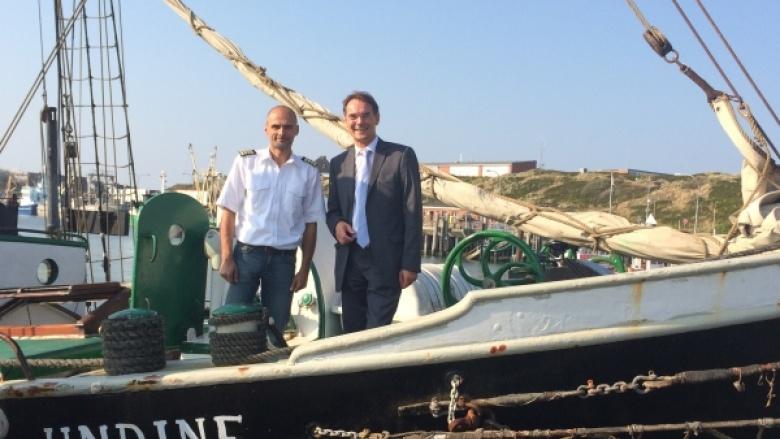 Kapitän Hass und Ingbert Liebing, MdB auf der Undine