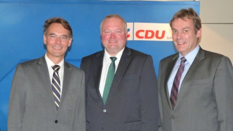 Ingbert Liebing, MdB mit dem neuen Landesvorsitzenden der KPV Schleswig-Holstein, Dr. Henning Görtz und dem Landesgeschäftsführer der KPV, Jörg Hollmann