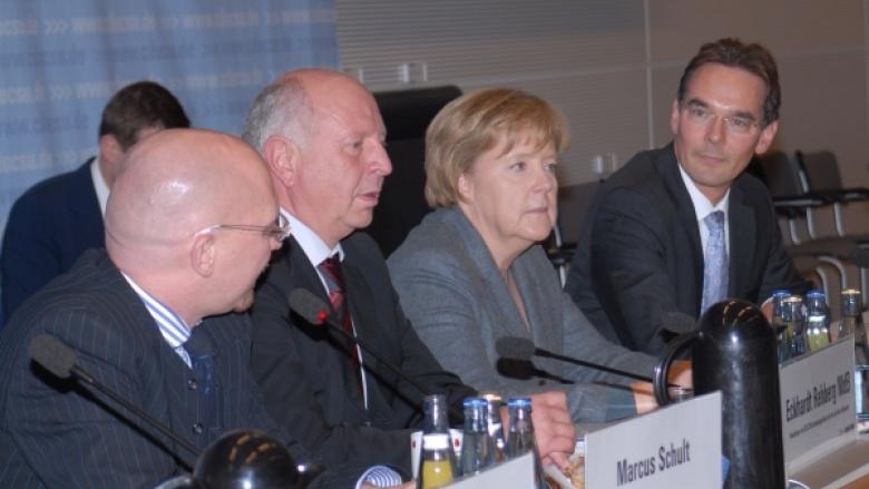 Dr. Angela Merkel und Ingbert Liebing beim Maritimen Kongress der CDU/CSU Bundestagsfraktion
