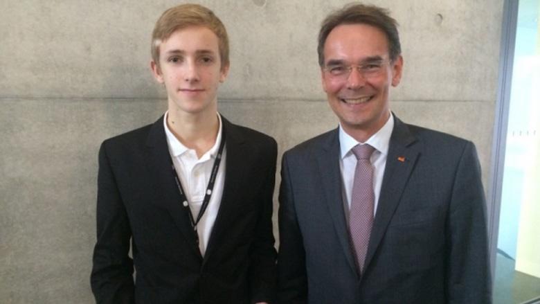 Steven Nowak bedankt sich bei Ingbert Liebing, MdB für die Einladung